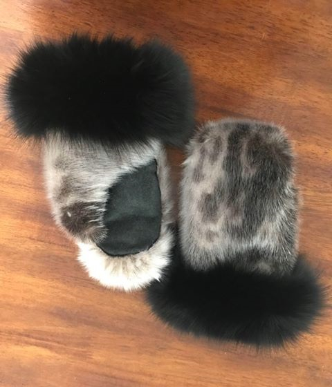 Thumbnail of: Hand sewn Ladies size small Seal skin mitts