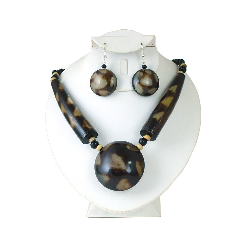 Thumbnail of: Spotted Horn Necklace Set